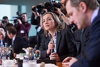 23 JAN 2013, BERLIN/GERMANY:<br /> Kristona Schroeder, CDU, Bundesfamilienministerin, vor Beginn der Kabinettsitzung, Bundeskanzleramt<br /> IMAGE: 20130123-01-020<br /> KEYWORDS: Kabinett, Sitzung, Kristina Schröder