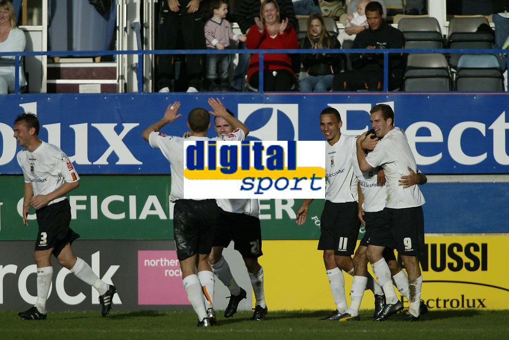 Photo: Marc Atkins.<br />Luton Town v Leeds United. Coca Cola Championship. 21/10/2006. Luton celebrate scoring their 3rd goal.
