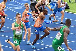 Tony van Diepen geeft het stokje over aan Liemarvin Bonevacia bij het EK atletiek in Berlijn op 10-8-2018