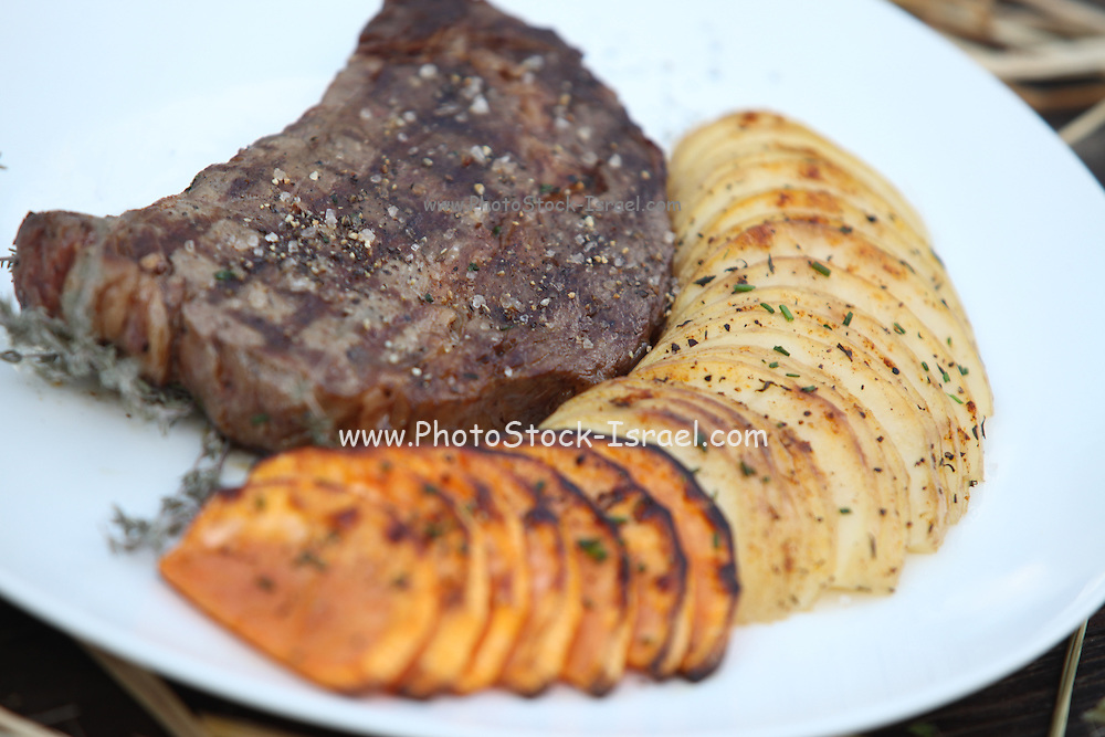 Char Grilled fillet beefsteak with grilled potato