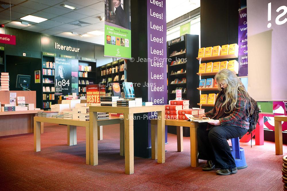 Nederland, Amsterdam , 23 maart 2012..Boekhandel Scheltema aan Koningsplein 20..Boekhandelketen Selexys in financiele problemen.