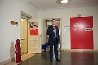 DEU, Deutschland, Germany, Berlin, 26.06.2014: <br />Bodo Ramelow, Fraktionsvorsitzender DIE LINKE in Thüringen, steht für ein Portrait vor seinem Büro im Thüringer Landtag.