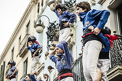 November 20, 2016 - Barcelona, Catalonia, Spain - The 'Castellers de la Vila de Gracia' build human pillars during a 'diada castellera' at Barcelona's Gracia quarter (Credit Image: © Matthias Oesterle via ZUMA Wire)