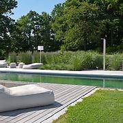 Modern Garden 906