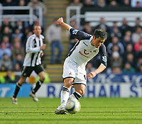 Photo: Andrew Unwin.<br />Newcastle United v Tottenham Hotspur. The Barclays Premiership. 01/04/2006.<br />Tottenham's Young-Pyo Lee on the ball.