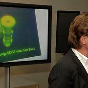 NLD/Bussum/20060120 - Uitreiking prijs Omroepman van het jaar 2005, John de Mol en logo