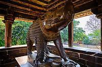 Inde, état du Madhya Pradesh, Khajuraho, site classé au Patrimoine Mondial de l'UNESCO, statue de sanglier du temple Varaha // India, Madhya Pradesh state, Khajuraho, Unesco World Heritage, the Khajuraho Group of Monuments is a group of Hindu temples and Jain temples, boar statue from Varaha temple