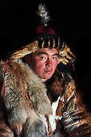 Mongolie, province de Bayan-Olgii, Jenisbek, chasseur à l'aigle Kazakh // Mongolia, Bayan-Olgii province, Jenisbek, Kazakh eagle hunter