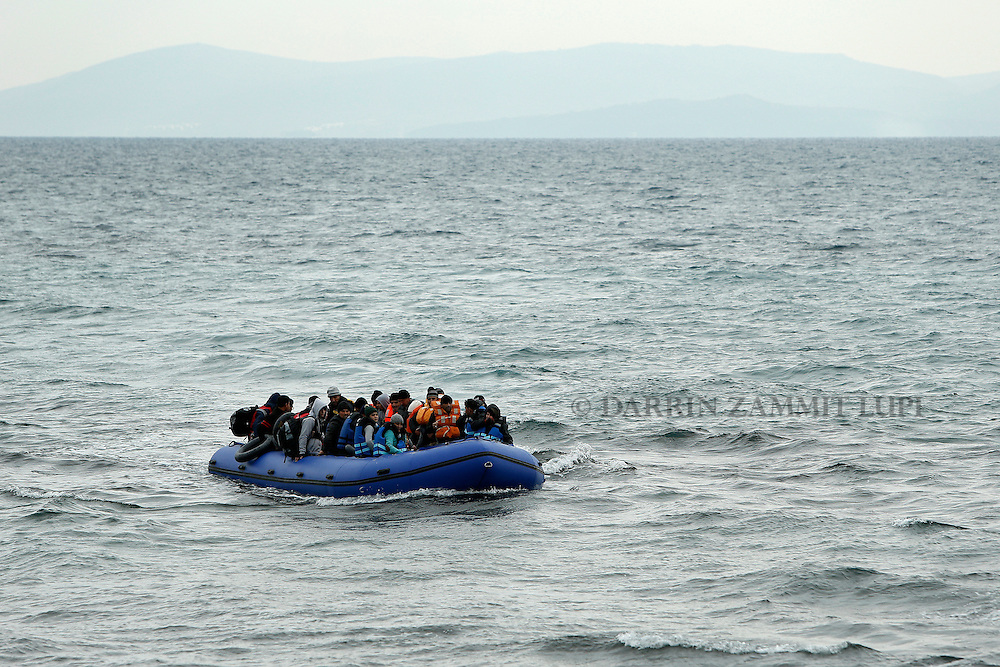 Refugees and migrants on a raft approach the shores of the Greek island of Lesbos, January 29, 2016. Photo: Darrin Zammit Lupi