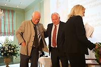 DEU, Deutschland, Germany, Berlin, 08.06.2013:<br />Tag des Deutschen Familienunternehmens im Hotel Adlon. Dr. Peter Gauweiler (L), MdB CSU, und Oskar Lafontaine (R), MdL, Fraktionsvorsitzender DIE LINKE im saarländischen Landtag, verlassen die gemeinsame Podiumsdiskussion.