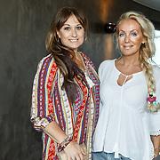 NLD/Amsterdam/20150608 - Inloop uitreiking Hi-Tec Awards 2015, Laura Vlasblom en Mandy Huydts
