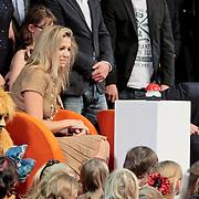 NLD/Amsterdam/20111012 - Opening cinekids 2011 festival door Prinses Maxima en kroonprins Willem - Alexander