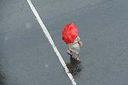 Santiago Mazzarovich/ URUGUAY/ MONTEVIDEO/<br /> <br /> En la foto: Lluvia en Plaza Cagancha. Foto: Santiago Mazzarovich/adhocFotos.<br /> <br /> 20160310 día jueves