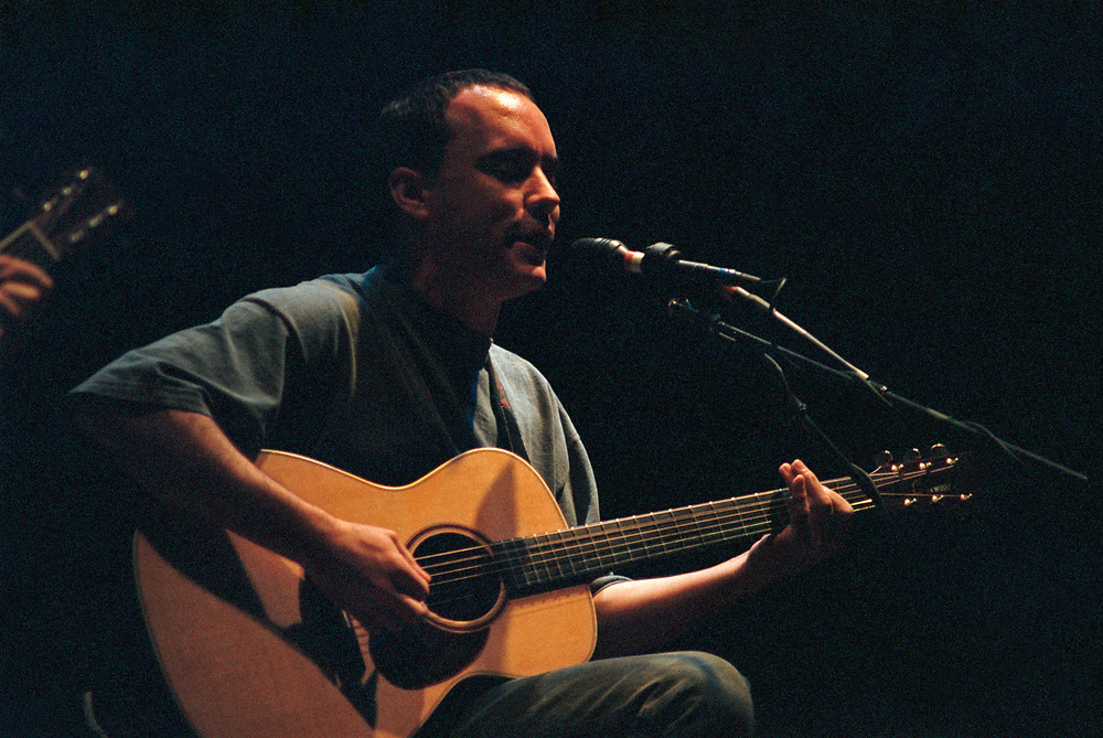EASTON - FEBRUARY 3: Dave Matthews performs at State Theatre on February 3, 1997 in Easton, Pennsylvania. (Photo by Lisa Lake)
