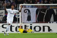 Jubel bei Donezks Fernandinho nach dem 0:1, Basels Franco Costanzo haengt im Netz © Roman Aeschbach/EQ Images