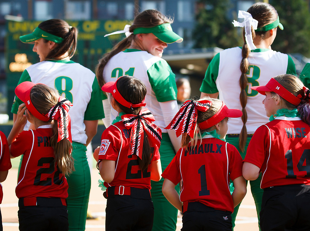 before the game. The Oregon Ducks play the California Golden Bears at Howe Field in Eugene, Oregon on May 1, 2015. (Ryan Kang/Emerald)