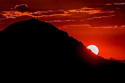 THEMENBILD - Die Hohe Salve in Hopfgarten im Sonnenuntergang , aufgenommen am 27. Juli 2018, Kirchberg, Oesterreich // The Hohe Salve in Hopfgarten in the sunset at Kirchberg, Austria on 2018/07/27. EXPA Pictures © 2018, PhotoCredit: EXPA/ Stefan Adelsberger