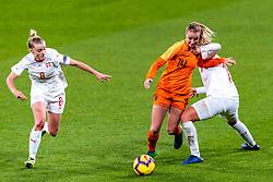 09-11-2018 NED: UEFA WC play-off final Netherlands - Switzerland, Utrecht<br /> European qualifying for the 2019 FIFA Women's World Cup - Jackie Groenen #14 of Netherlands, Rahel Tschopp #8 of Switzerland, Florijana Ismaili #17 of Switzerland