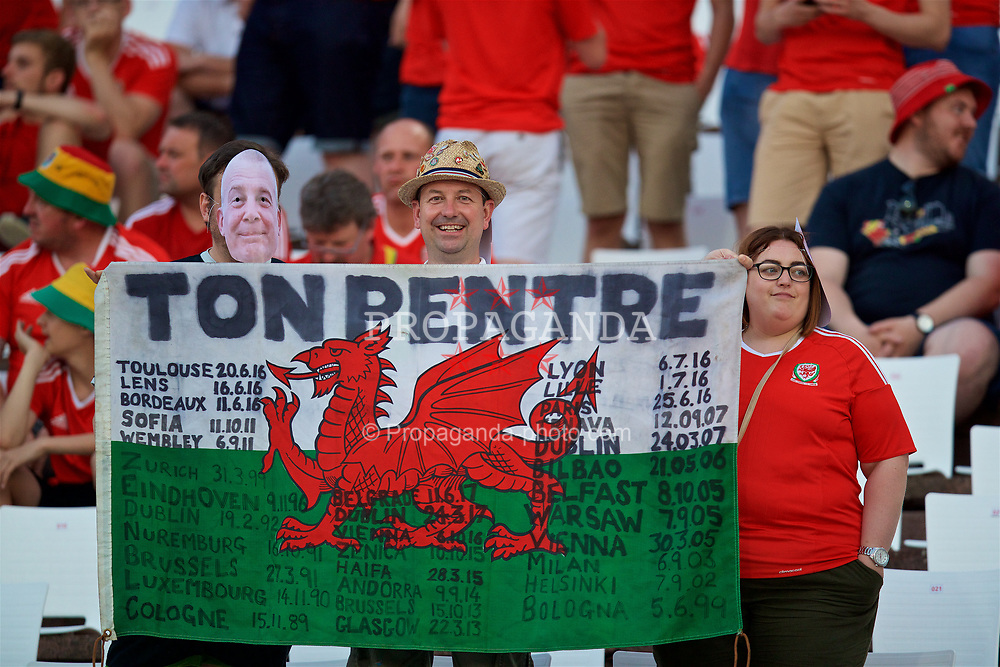 BELGRADE, SERBIA - Sunday, June 11, 2017: Wales supporters from Ton Pentre before the 2018 FIFA World Cup Qualifying Group D match between Wales and Serbia at the Red Star Stadium. (Pic by David Rawcliffe/Propaganda)