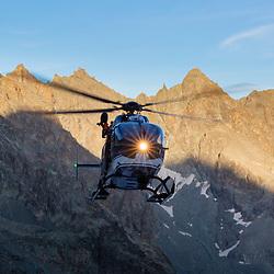 Activité de secours en montagne de l'hélicoptère EC145 du DAG Modane, des policiers secouristes de la CRS des Alpes et du médecin urgentiste du SMUR Maurienne pendant la saison estivale. Missions de recherche de personnes, de secours de randonneurs et d'alpinistes, et évacuation aux urgences de CHU.<br /> Février 2019 / Modane (73) / FRANCE
