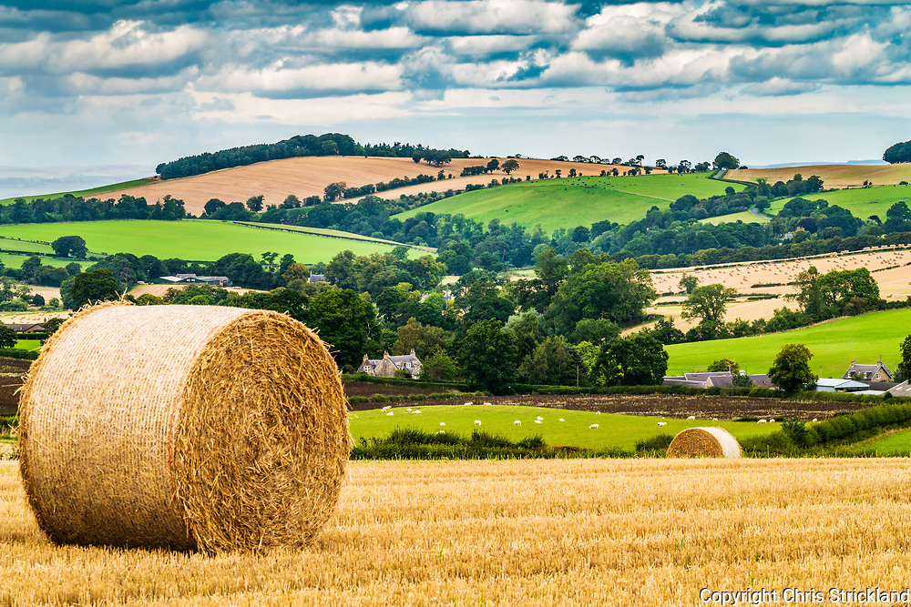 Oxnam, Jedburgh, Scottish Borders, UK. 6th September 2018. Round bales of straw in fields in the Oxnam valley.