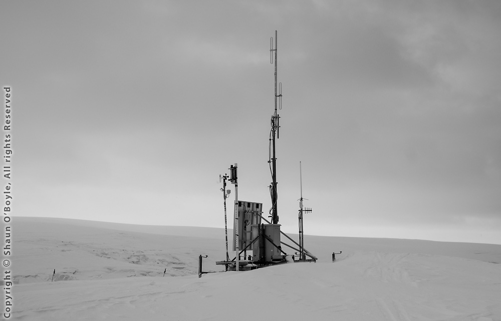 Antenna and weather station