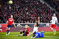 Simon KJAER / Goal de Edinson CAVANI / Vincent ENYEAMA - 03.12.2014 - Lille / Paris Saint Germain - 16eme journee de Ligue 1 -<br />Photo : Fred Porcu / Icon Sport