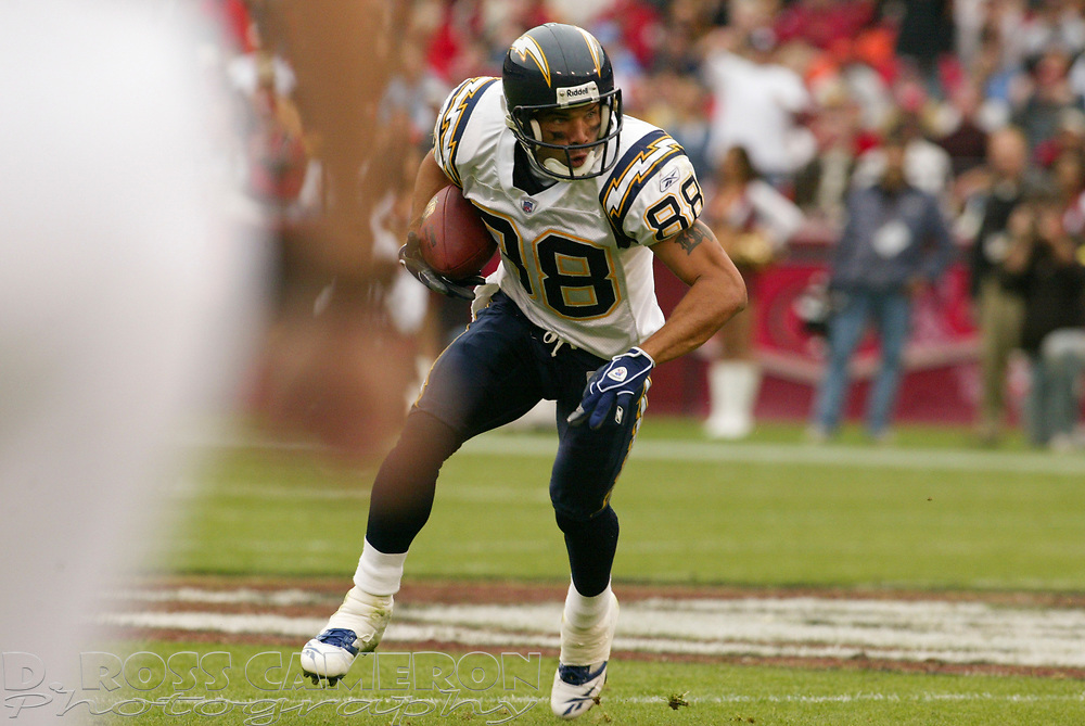 San Diego Chargers wide receiver Eric Parker looks for room to run against the San Francisco 49ers in the second quarter of an NFL football game, Sunday, Oct. 15, 2006 in San Francisco.  The Chargers won, 48-19. (D. Ross Cameron/The Oakland Tribune)