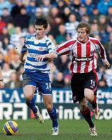 Photo: Gareth Davies.<br />Reading v Sheffield United. The Barclays Premiership. 20/01/2007.<br />Reading's Shane Long (L) out paces Sheffield United's Rob Kozluk (R).