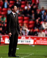 Photo: Charlie Crowhurst.<br />Southampton v Sunderland. Coca Cola Championship. 09/04/2007. Sunderland manager Roy Keane shouts orders.