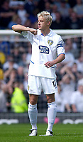 Photo. Glyn Thomas.<br /> Digitalsport<br /> NORWAY ONLY<br /> <br /> Leeds United v Charlton Athletic. <br /> FA Barclaycard Premiership. 08/05/2004.<br /> Alan Smith is determined to show the Leeds fans how much this game means to him.