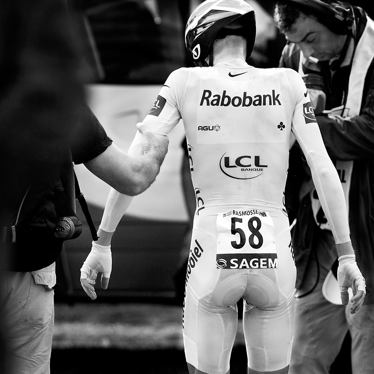 France. Albi, 21-07-2007. Photo: Patrick Post.<br /> Tour de France. Michael Rasmussen of the Rabobank team, as stiff as a plank after his time trial of 54 km. Rasmussen drove  for the first time a very good time trial and retained the yellow jersey as leader of the standings.