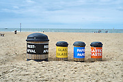Afvalscheiding op het strand van  Scheveningen, Den Haag - Waste separation on the beach of Scheveningen, The Hague Beach