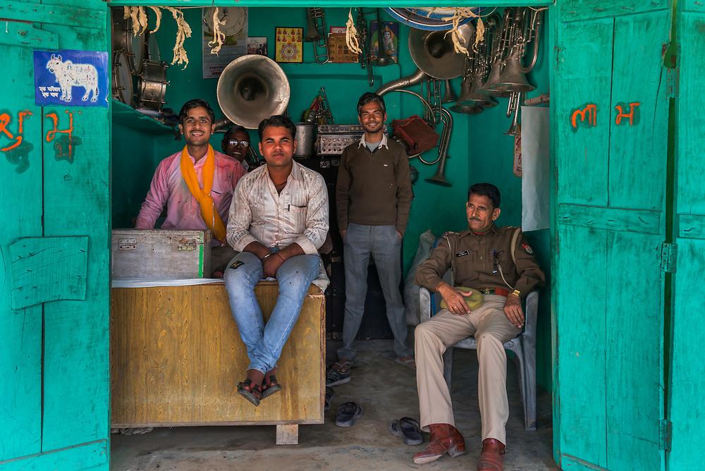 Spontaneous portrait of a family group, Barsana.