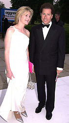 VISCOUNT & VISCOUNTESS LINLEY, at a dinner <br /> in London on 20th June 2000.OFO 168<br /> © Desmond O'Neill Features:- 020 8971 9600<br />    10 Victoria Mews, London.  SW18 3PY <br /> www.donfeatures.com   photos@donfeatures.com<br /> MINIMUM REPRODUCTION FEE AS AGREED.<br /> PHOTOGRAPH BY DOMINIC O'NEILL