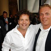 NLD/Amsterdam/20070606 - Wegener Haringparty Hilton 2007, Dirk Zeelenberg en vriend