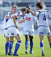 Fotball , <br /> Adeccoligaen , <br /> 13.07.08 , <br /> Komplett.no stadion , <br /> Sandefjord - FK Haugesund , <br /> Camron Weaver blir gratulert av lagkamerater etter sin 1-0 scoring for Haugesund , <br /> Foto: Thomas Andersen / Digitalsport