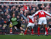 Photo: Javier Garcia/Back Page Images<br />Arsenal v Fulham, FA Barclays Premiership, Highbury, 26/12/04<br />Robert Pires makes it 2-0