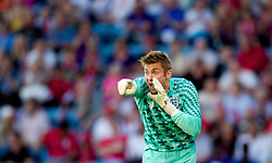 26.05.2012, Ullevaal Stadion, Oslo, NOR, UEFA EURO 2012, Testspiel, Norwegen vs England, im Bild England's goalkeeper Robert Green (West Ham United) in action against Norway during the Preparation Game for the UEFA Euro 2012 betweeen Norway and England at the Ullevaal Stadium, Oslo, Norway on 2012/05/26. EXPA Pictures © 2012, PhotoCredit: EXPA/ Propagandaphoto/ Vegard Grott..***** ATTENTION - OUT OF ENG, GBR, UK *****