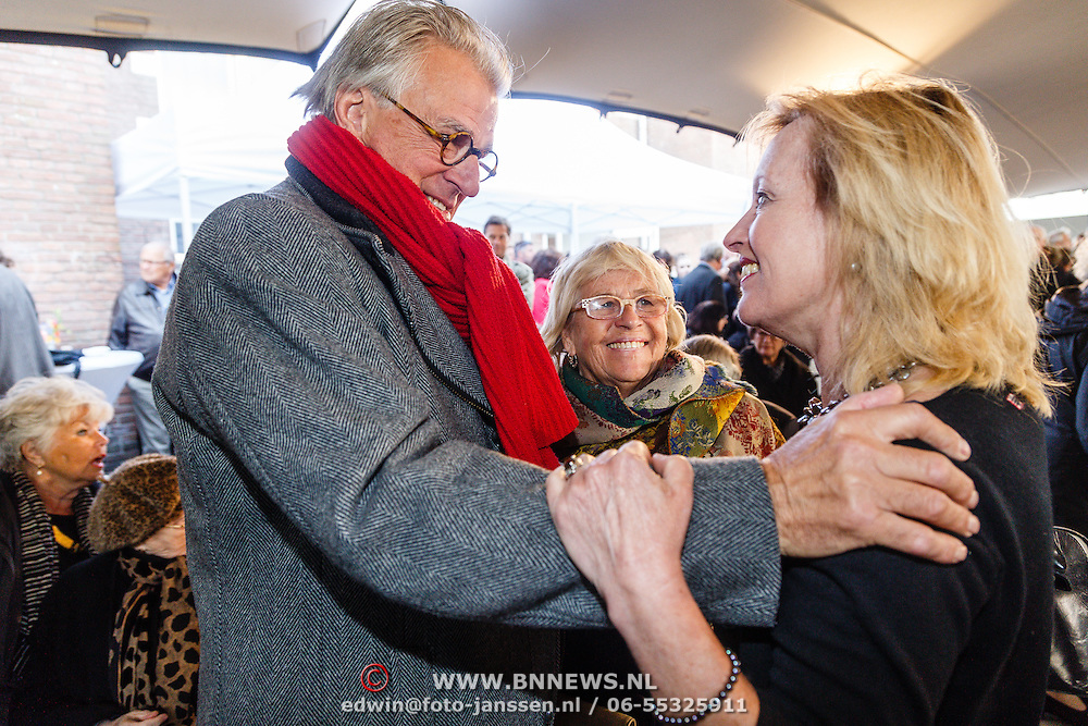 NLD/Amsterdam/20160515 - Nationaal Holocaust museum opent met schilderijen Jeroen Krabbé, Jeroen en Jet Bussemaker