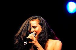 10-05-2008 VOLLEYBAL: DELA MEIDENDAG: APELDOORN<br /> Zo'n 1500 meisjes woonden de teampresentatie van het Nederlands vrouwenvolleybalteam bij. De DELA meidendag werd weer een groot succes / Idols zangeres Charlene<br /> ©2008-WWW.FOTOHOOGENDOORN.NL