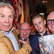 NLD/Scheveningen/20171107 - Boekpresentatie Deal, Maarten Spanjer, ........., Rene van der Gijp en zoon nikkie