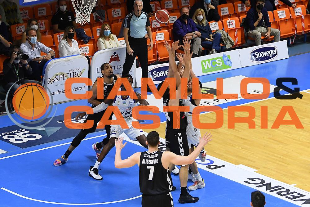 Teodosic Milo , Thompson Darius<br /> Happy Casa Brindisi - Segafredo Virtus Bologna<br /> Semifinali - Gara 2<br /> Legabasket Serie A UnipolSAI 2020/2021<br /> Brindisi, 25/05/2021<br /> Foto GiulioCiamillo/ Ciamillo-Castoria