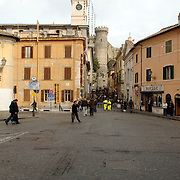 ITA/Bracchiano/20061118 - Huwelijk Tom Cruise en Katie Holmes, straten Bracchiano