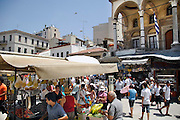 Griekenland, Athene, 5-7-2008Gezicht op het pleintje bij het metrostation Monastiraki in de Plaka.Foto: Flip Franssen