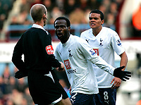 Photo: Tom Dulat/Sportsbeat Images.<br /> <br /> West Ham United v Tottenham Hotspur. The FA Barclays Premiership. 25/11/2007.<br /> <br /> Tottenham's Pascal Chimbonda (L) and Jermaine Jenas (R) protest against decison of referee Mike Riley