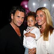 NLD/Amsterdam/20080612 - Presentatie nieuw blad Jackie Junior, Jorgos Petropoulos, partner Nicole Verheijden en kind