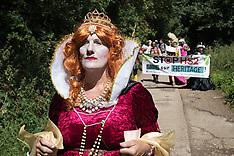 2020-07-31 HS2: Queen Elizabeth I visits Dews Farm