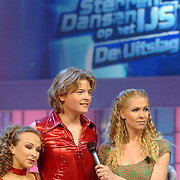 NLD/Hilversum/20070310 - 9e Live uitzending SBS Sterrendansen op het IJs 2007 de Uitslag, Thomas Berge en danspartner Nina Ulanova en Nance Coolen