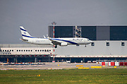 EL AL Israel Airlines, Boeing 737-958(ER) (4X-EHE) at Malpensa (MXP / LIMC), Milan, Italy